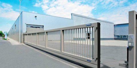 Бытовые и промышленные модели откатных ворот